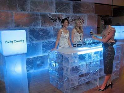 acryleis acrylic ice fake ice icecubes icebars ice. Black Bedroom Furniture Sets. Home Design Ideas